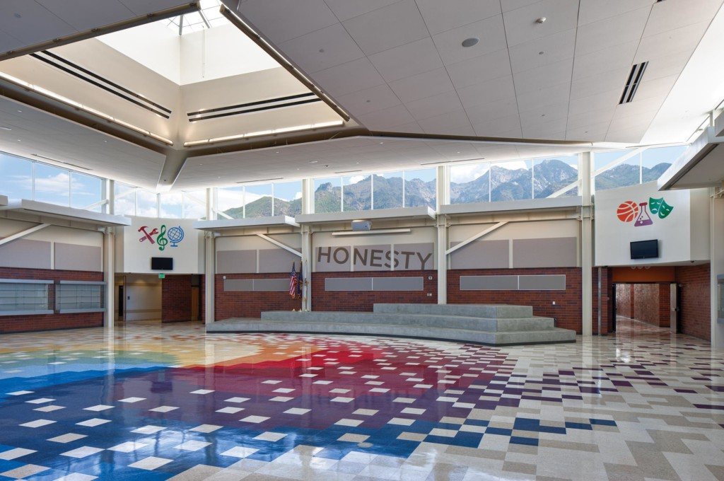 Albion-Middle-School-Interior-commons