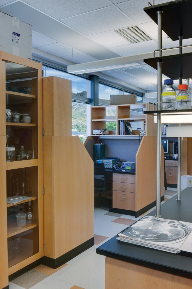Biopolymers-Interior-researcher-space