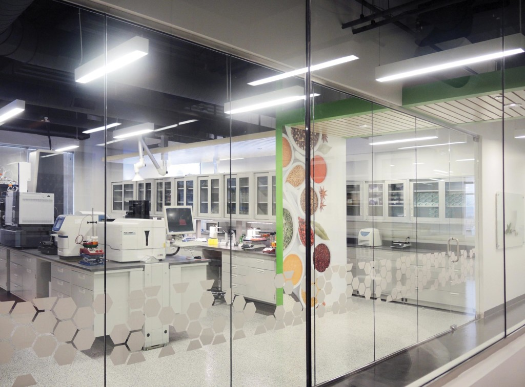 Hughes-Center-for-Research-Interior-Lab-02